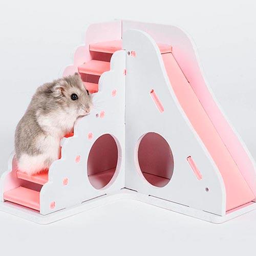 Casa de madera de juguete para hamster